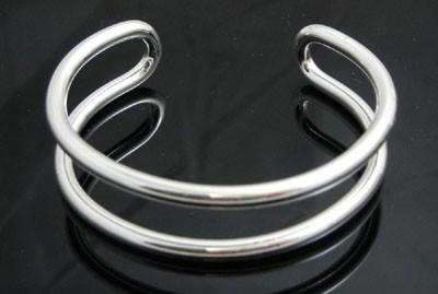 35291eb0c8a2 Brazalete plata de ley exclusivo de Tiffany París n531 – Brazaletes y  Sortijas