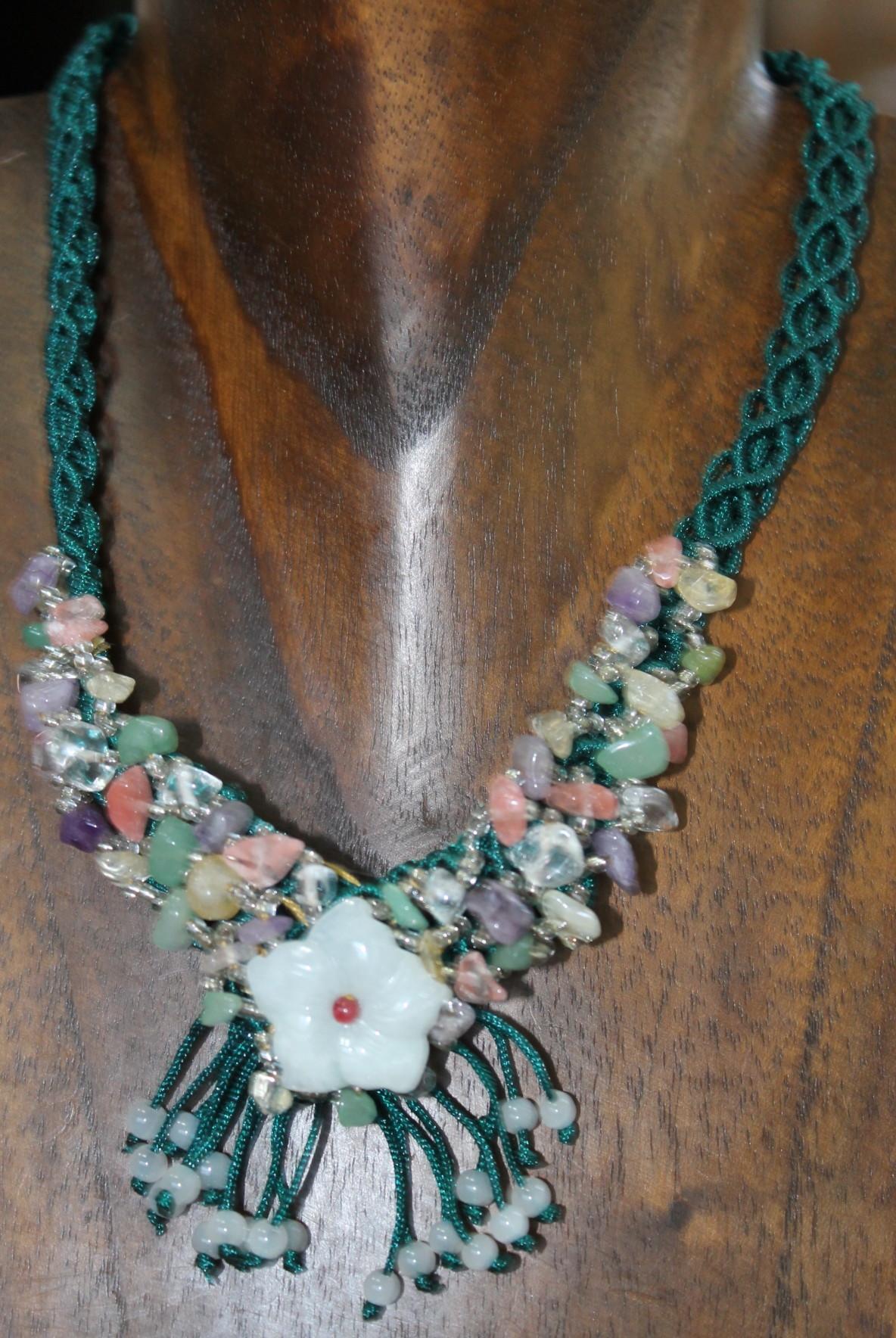 el precio más bajo 4bf94 1f2fe Collar de hilo con piedras semipreciosas único n2695